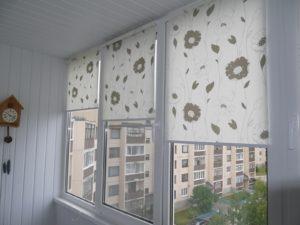 Установка рулонных штор на пластиковые окна в Челябинске
